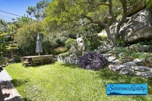 Backyard-rent-Mena